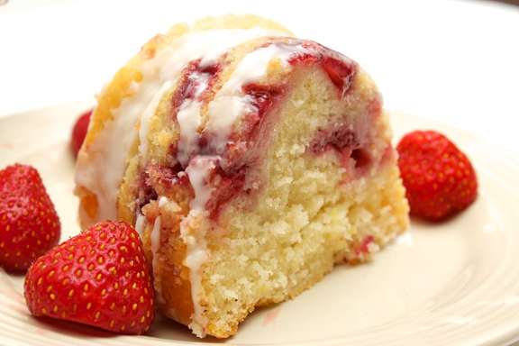 Claudia's Cookbook - Strawberry Yogurt Cake 16