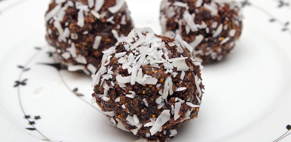 © Claudia's Cookbook - Healthy Chocolate Fig Bites