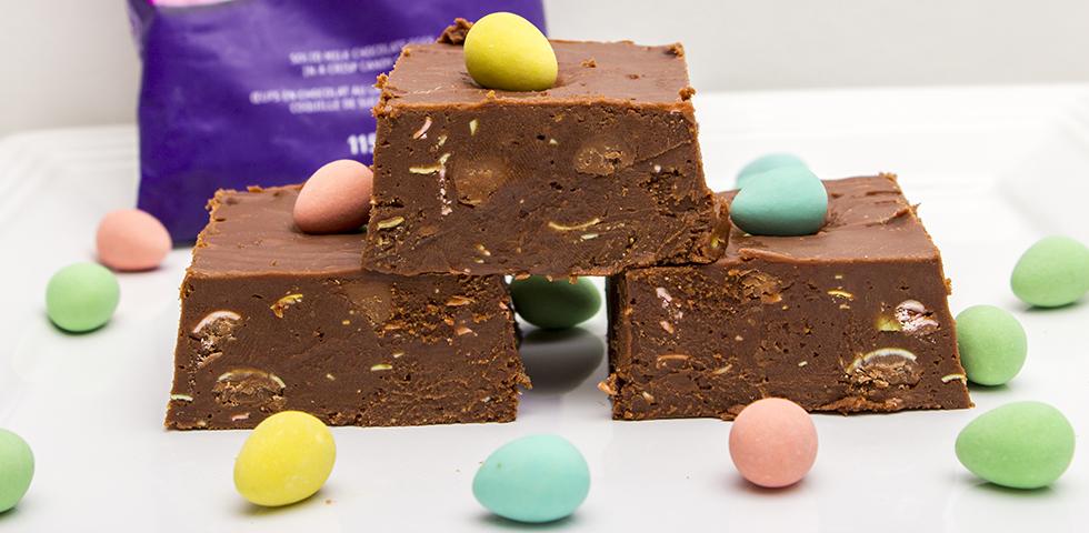 © Claudia's Cookbook - Cadbury Mini Egg Fudge