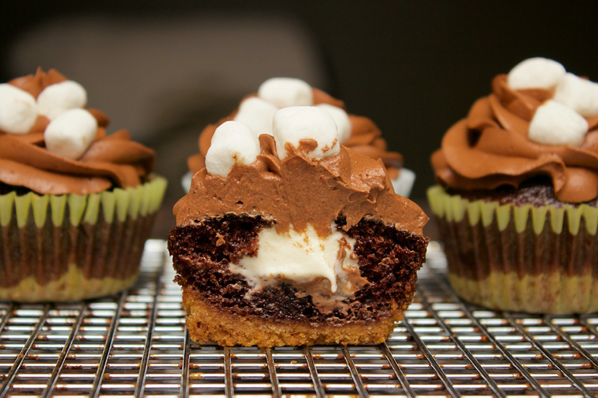© Claudia's Cookbook - S'mores Cupcakes 25