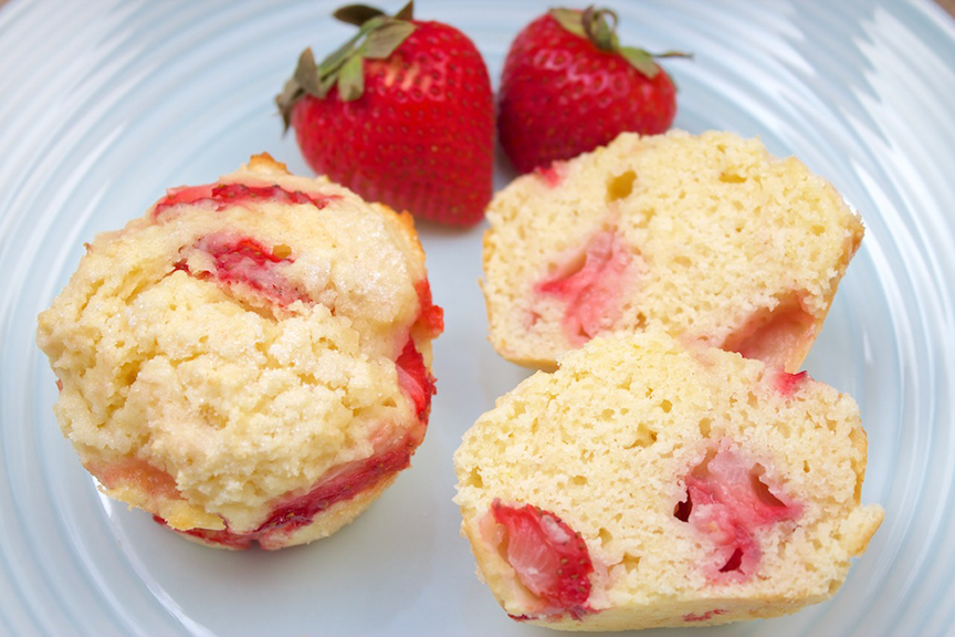 © Claudia's Cookbook - Strawberry Lemonade Muffins 11