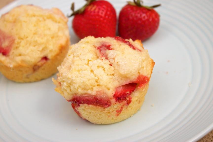 © Claudia's Cookbook - Strawberry Lemonade Muffins 12