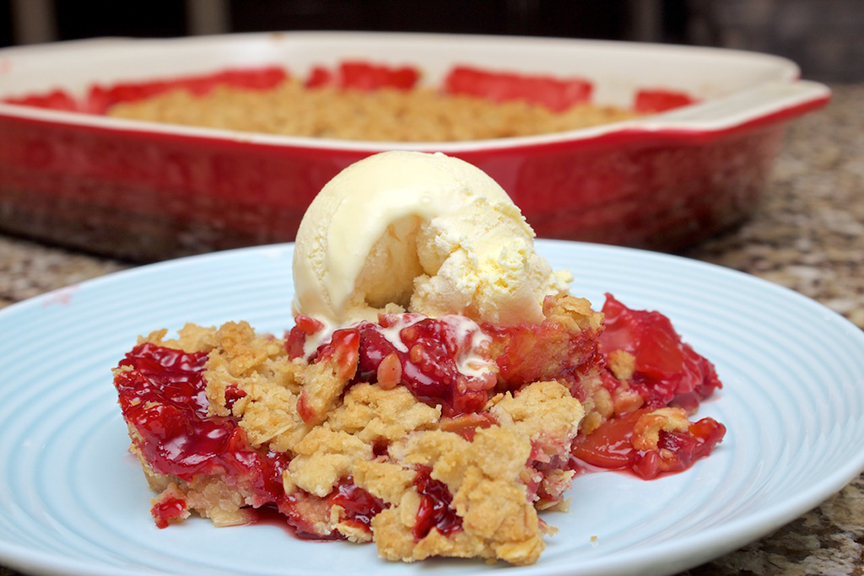 © Claudia's Cookbook – Strawberry Peach Crisp 14