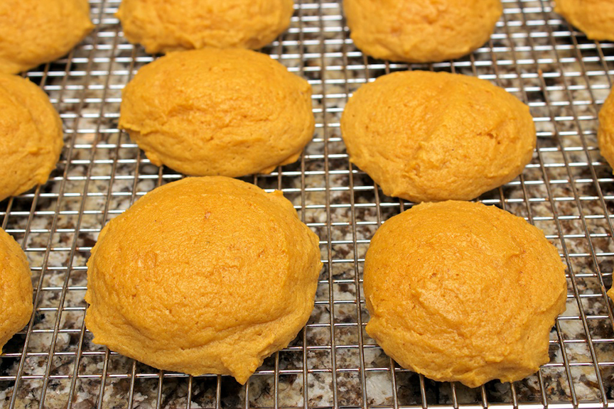 claudias-cookbook-melt-in-your-mouth-pumpkin-cookies-14