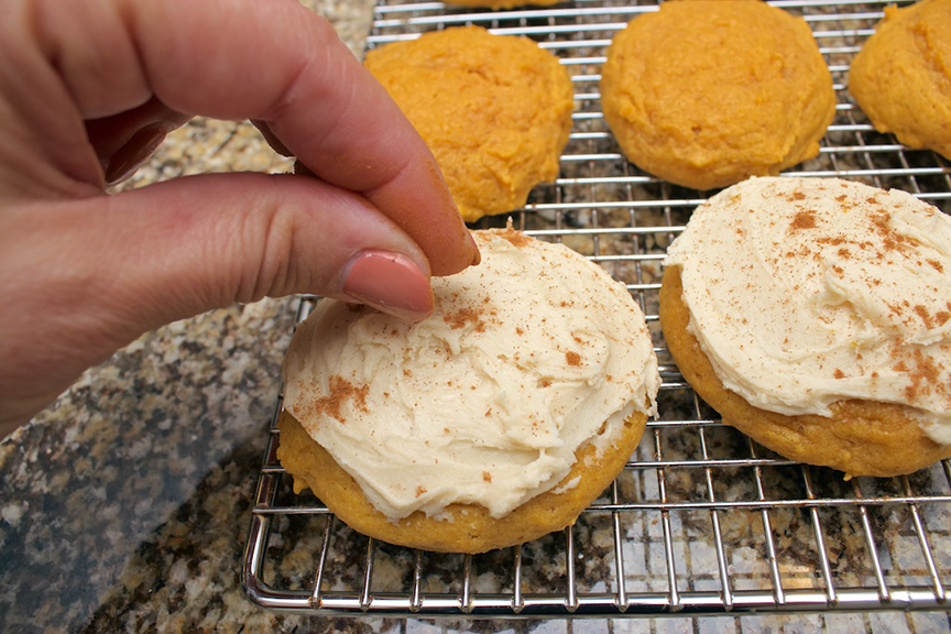 claudias-cookbook-melt-in-your-mouth-pumpkin-cookies-17