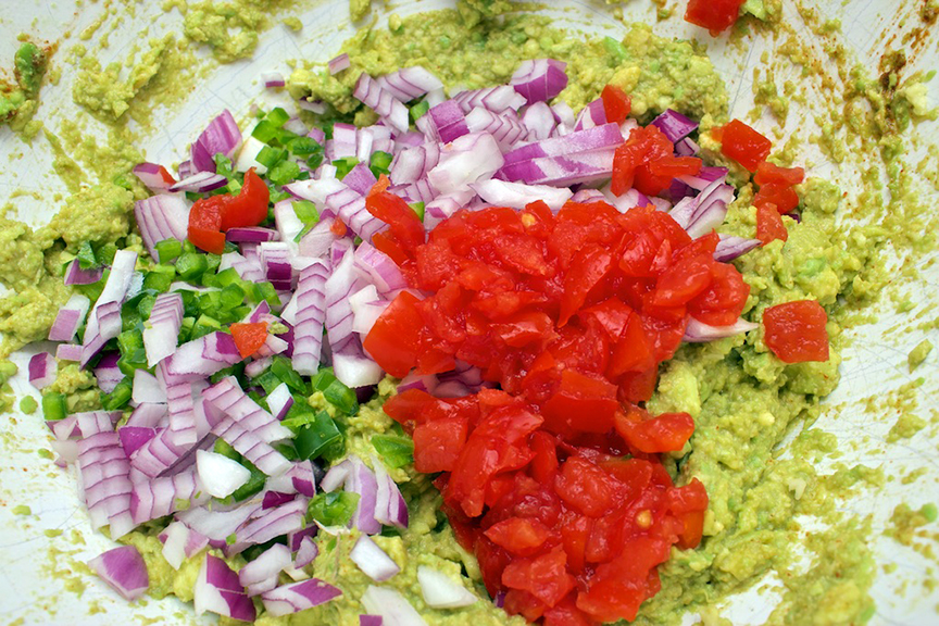 claudias-cookbook-the-best-guacamole-7