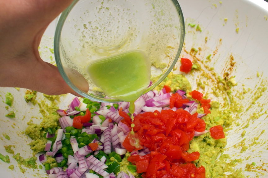 claudias-cookbook-the-best-guacamole-8